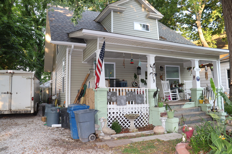 1524 North Lyon Avenue Springfield, MO 65803