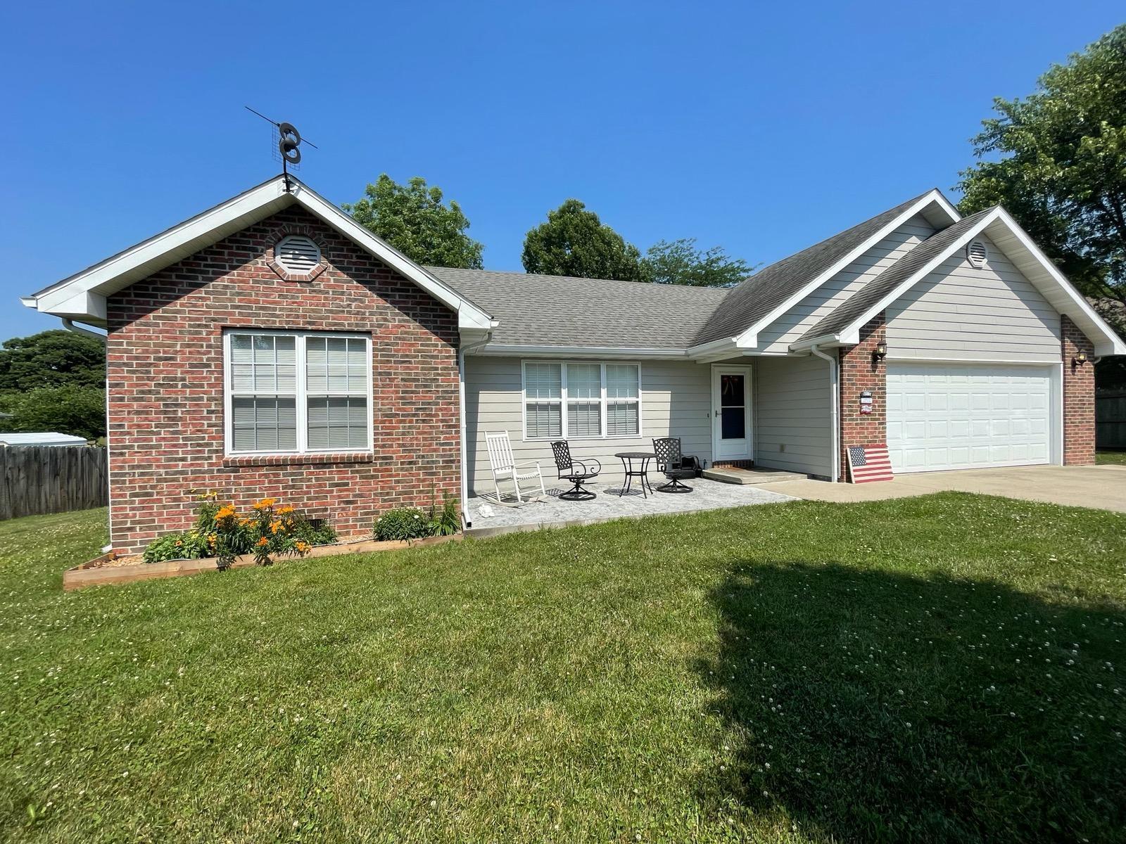 758 North Olive Street, Marshfield, Missouri 65706