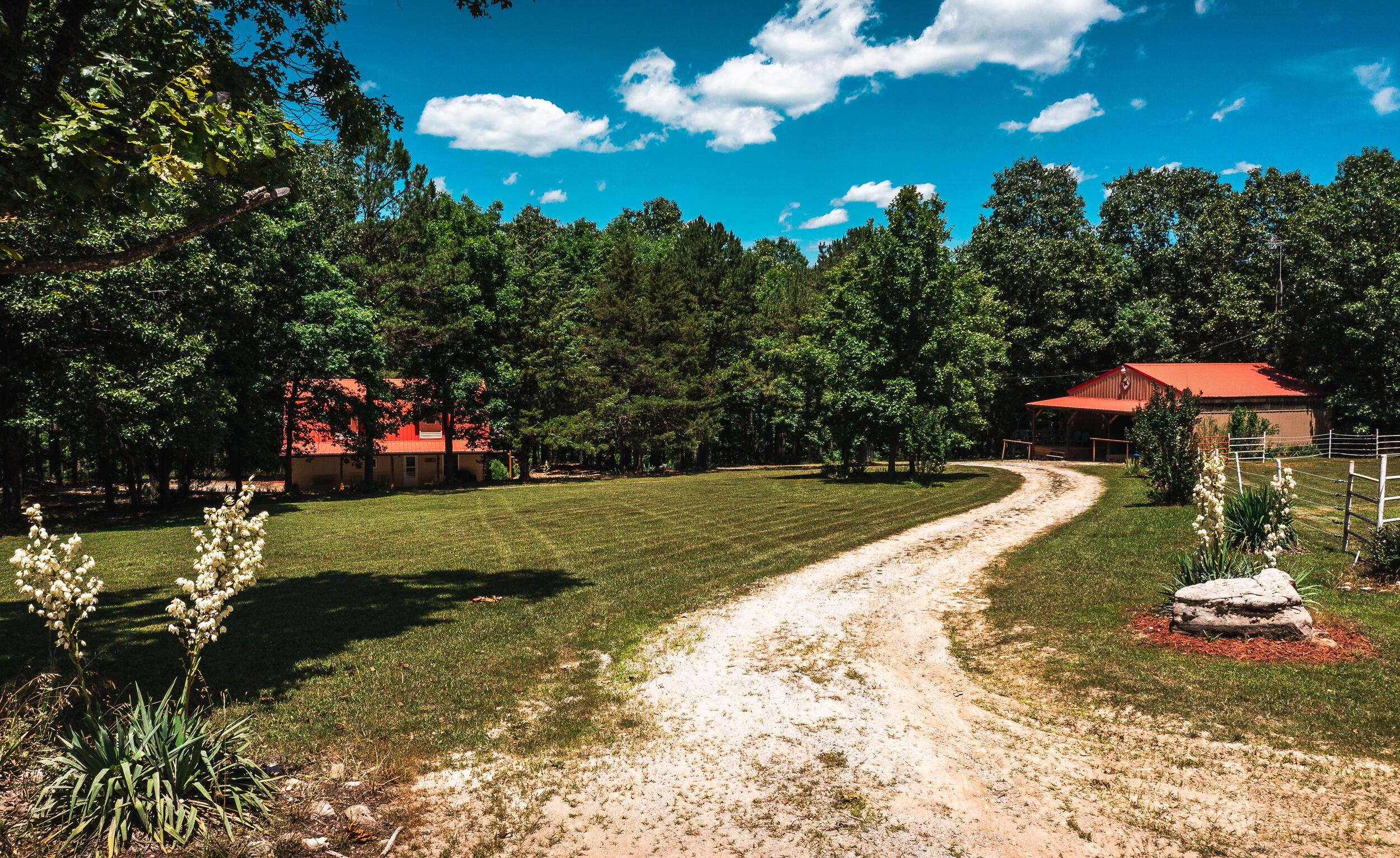 19995 Golden Trail Raymondville, MO 65555
