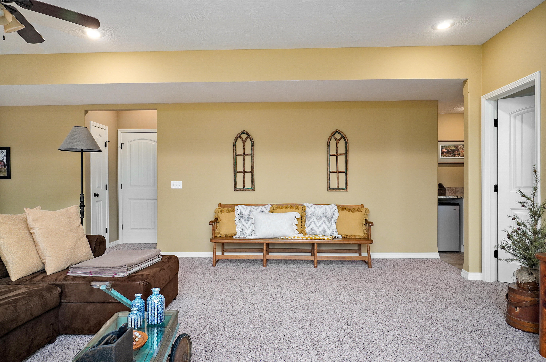 834 Gold Rush Avenue Nixa, MO 65714
