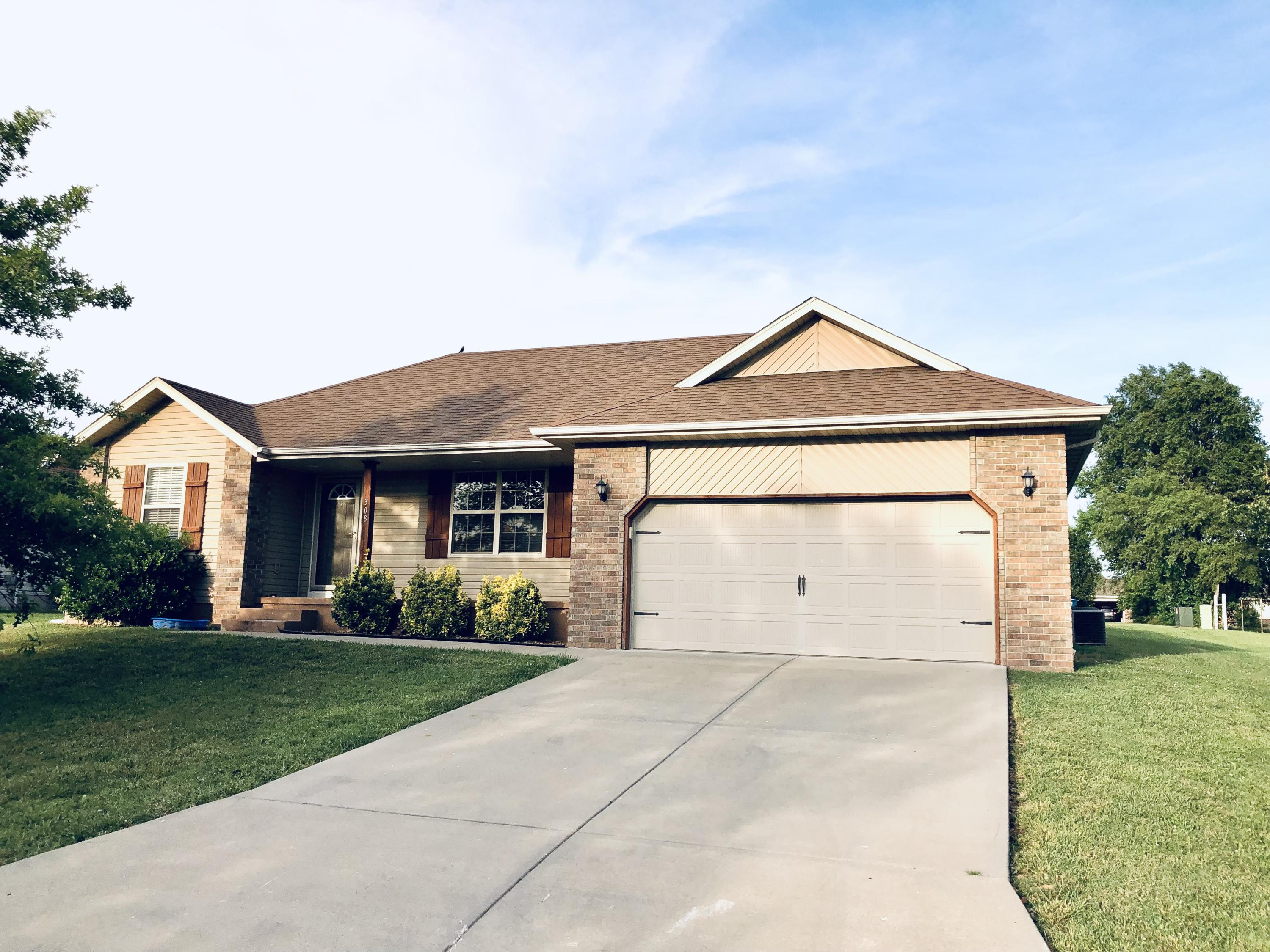 308 Union Hill Street Clever, MO 65631