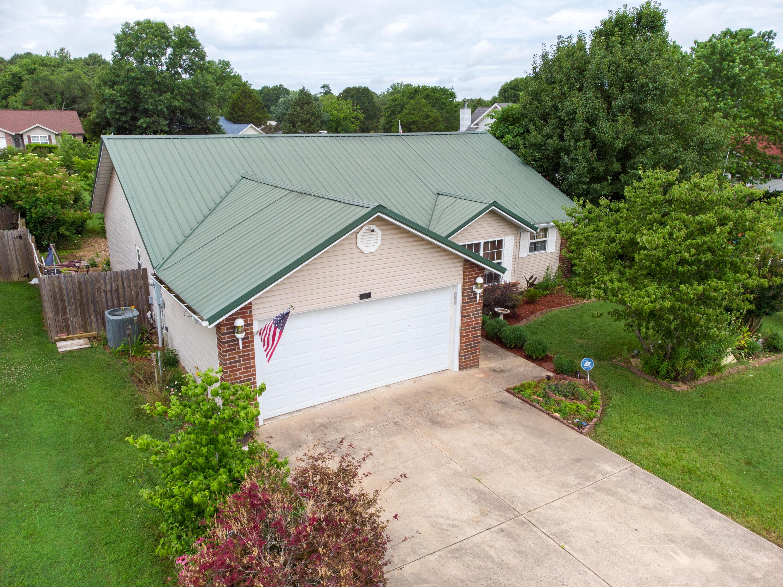 160 Pickett Ridge Kirbyville, MO 65679