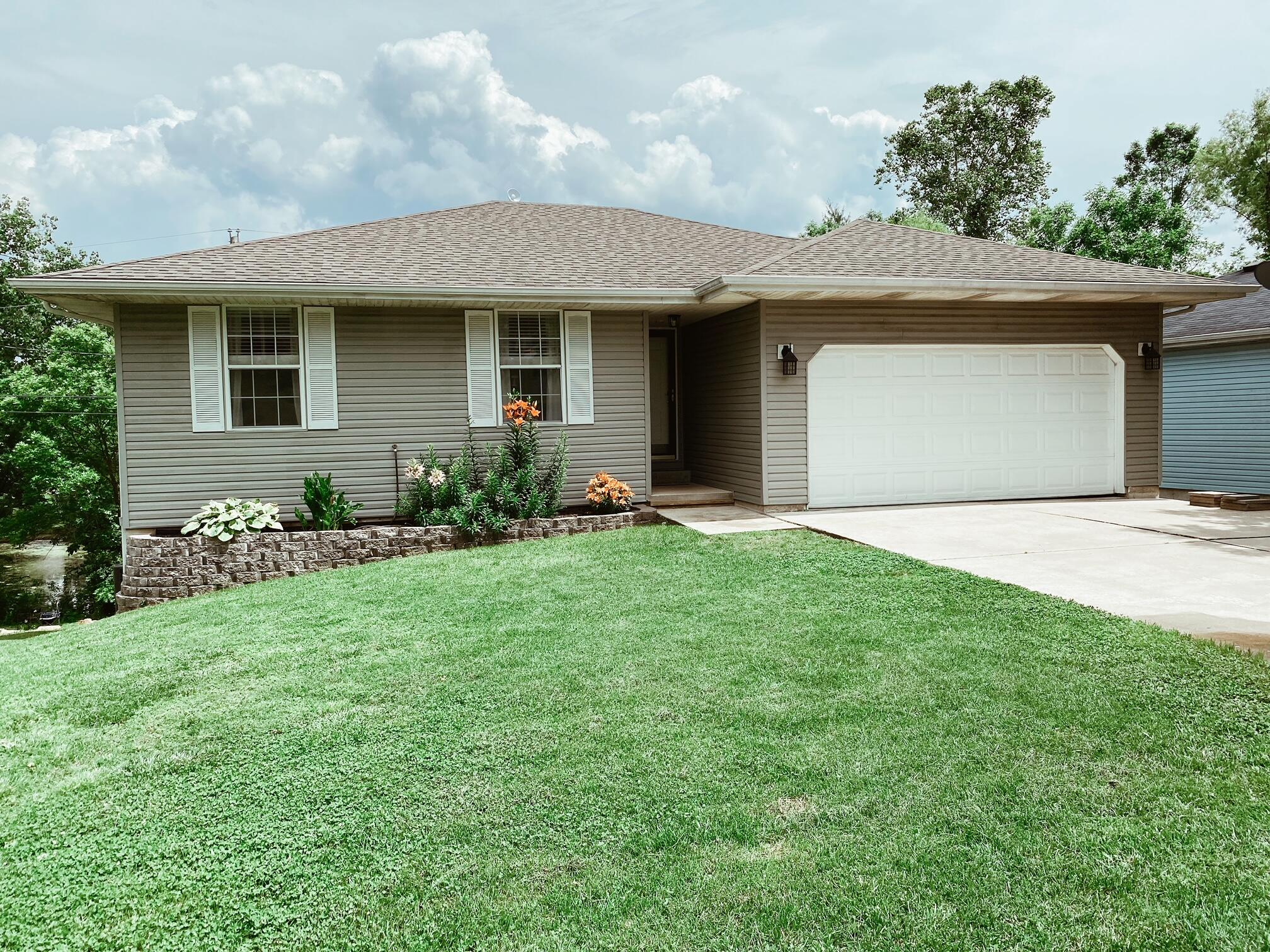 202 Spring Meadow Parkway Branson, MO 65616