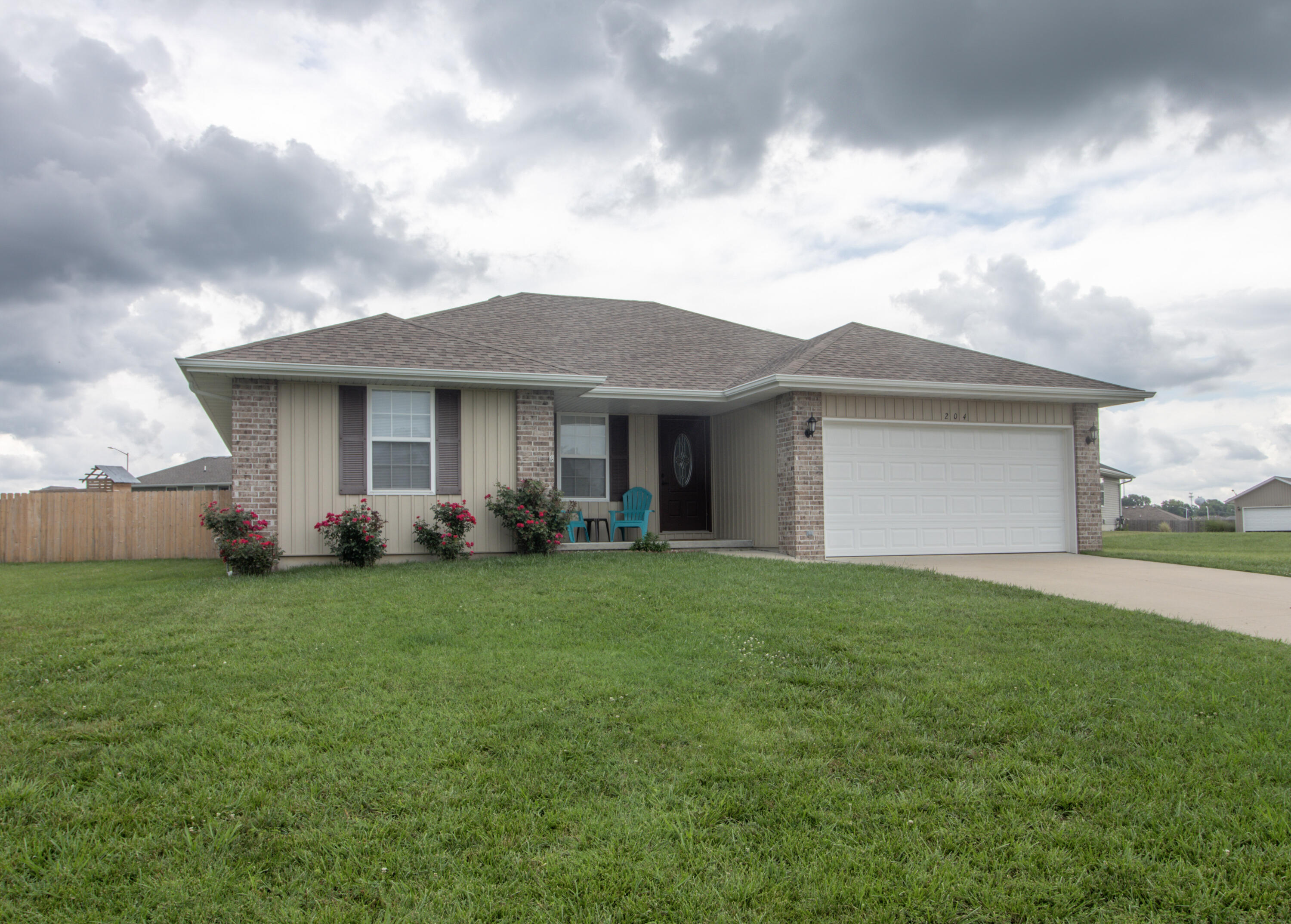 204 Dixie Avenue Clever, MO 65631