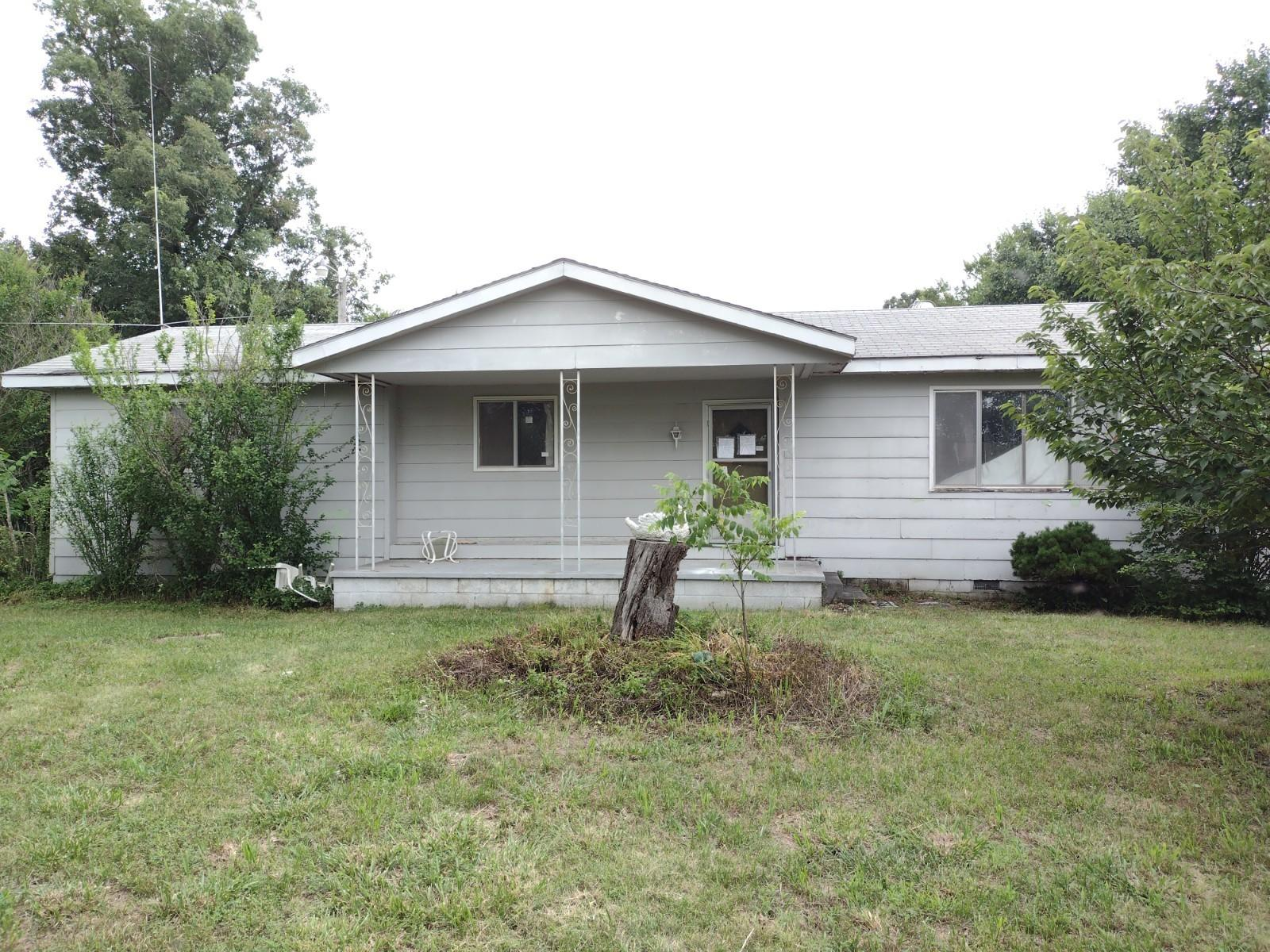 922 Plainview Road Anderson, MO 64831