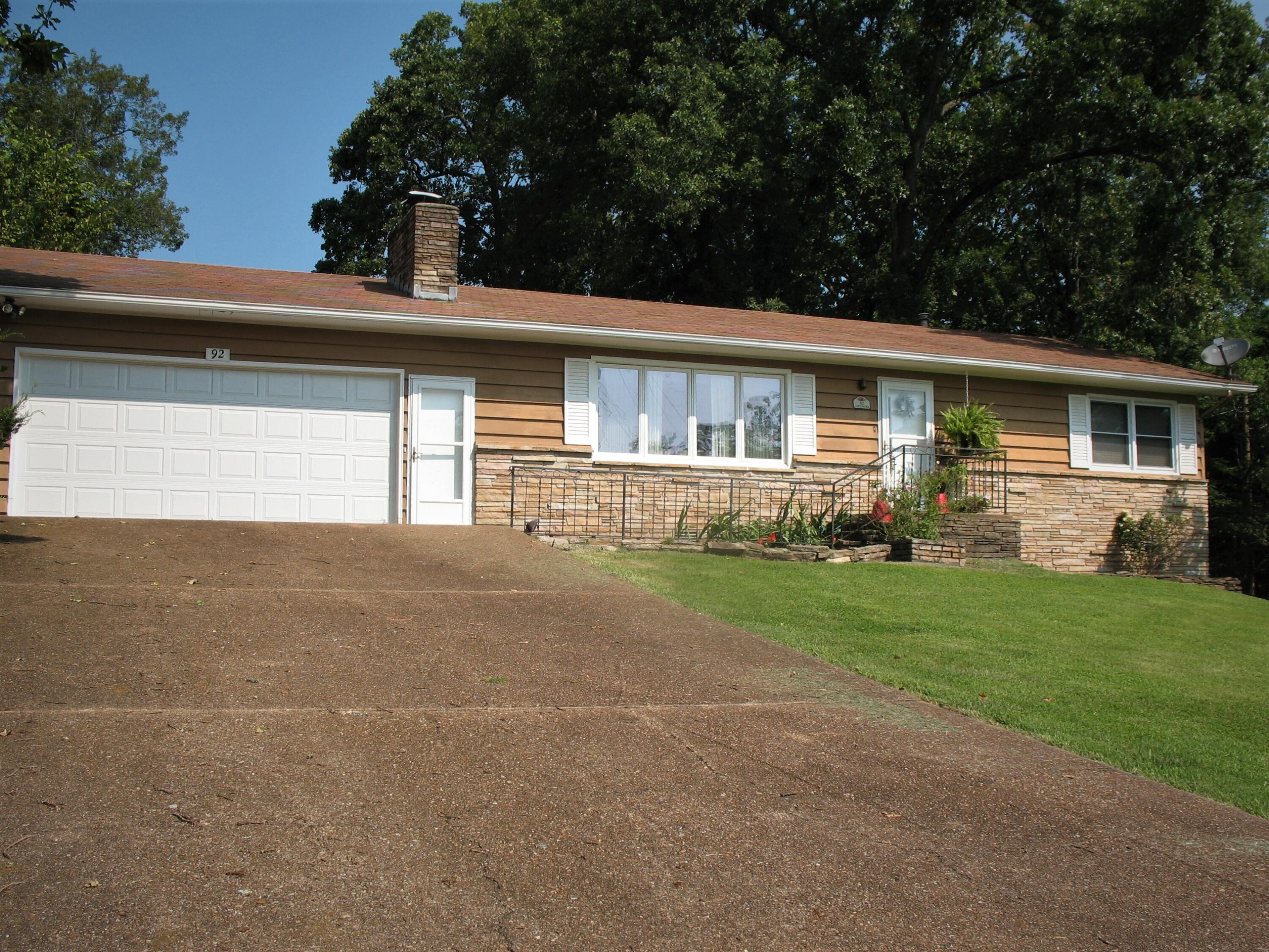 92 Lakeshore Drive Kimberling City, MO 65686