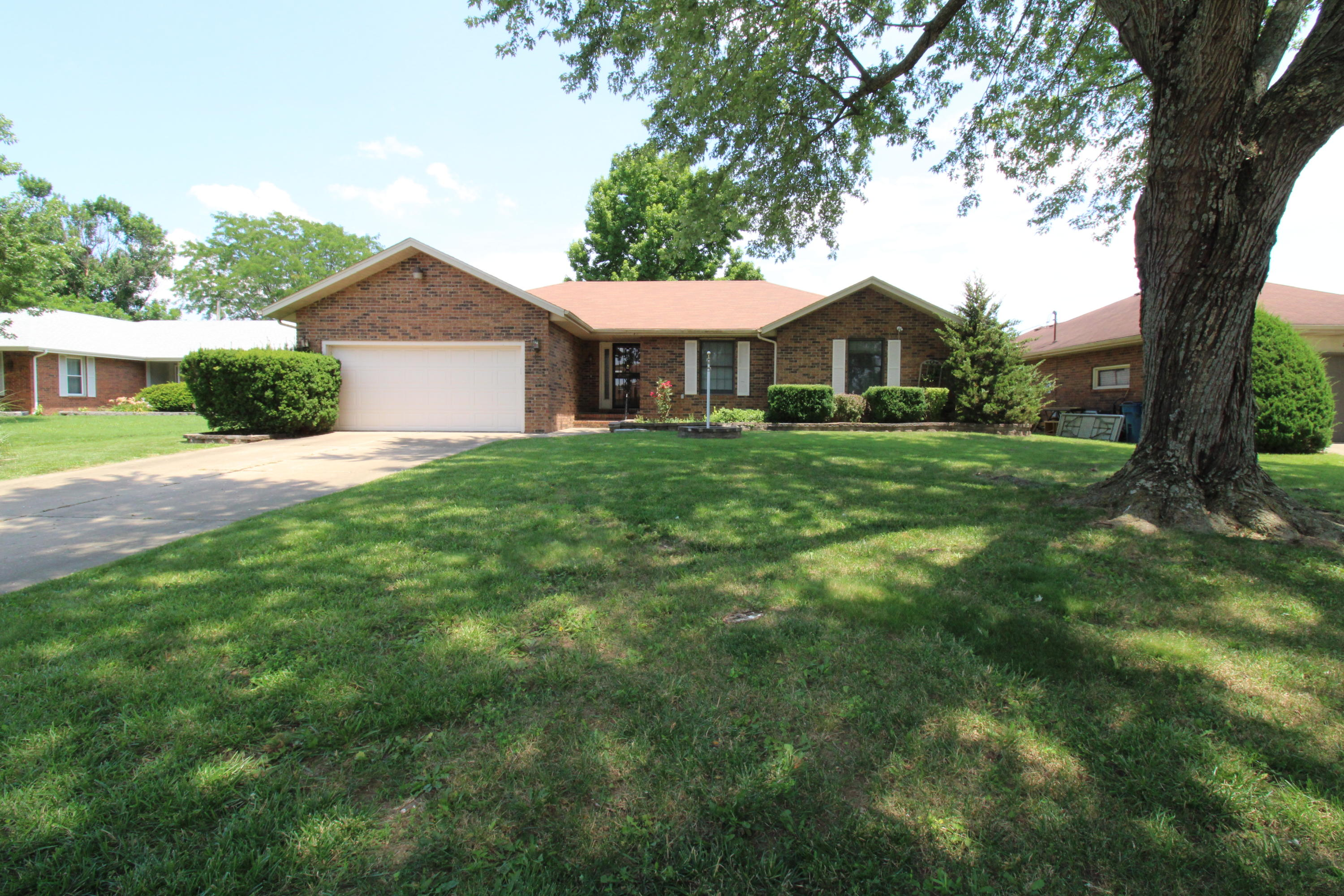 2308 South Manley Court Springfield, MO 65807