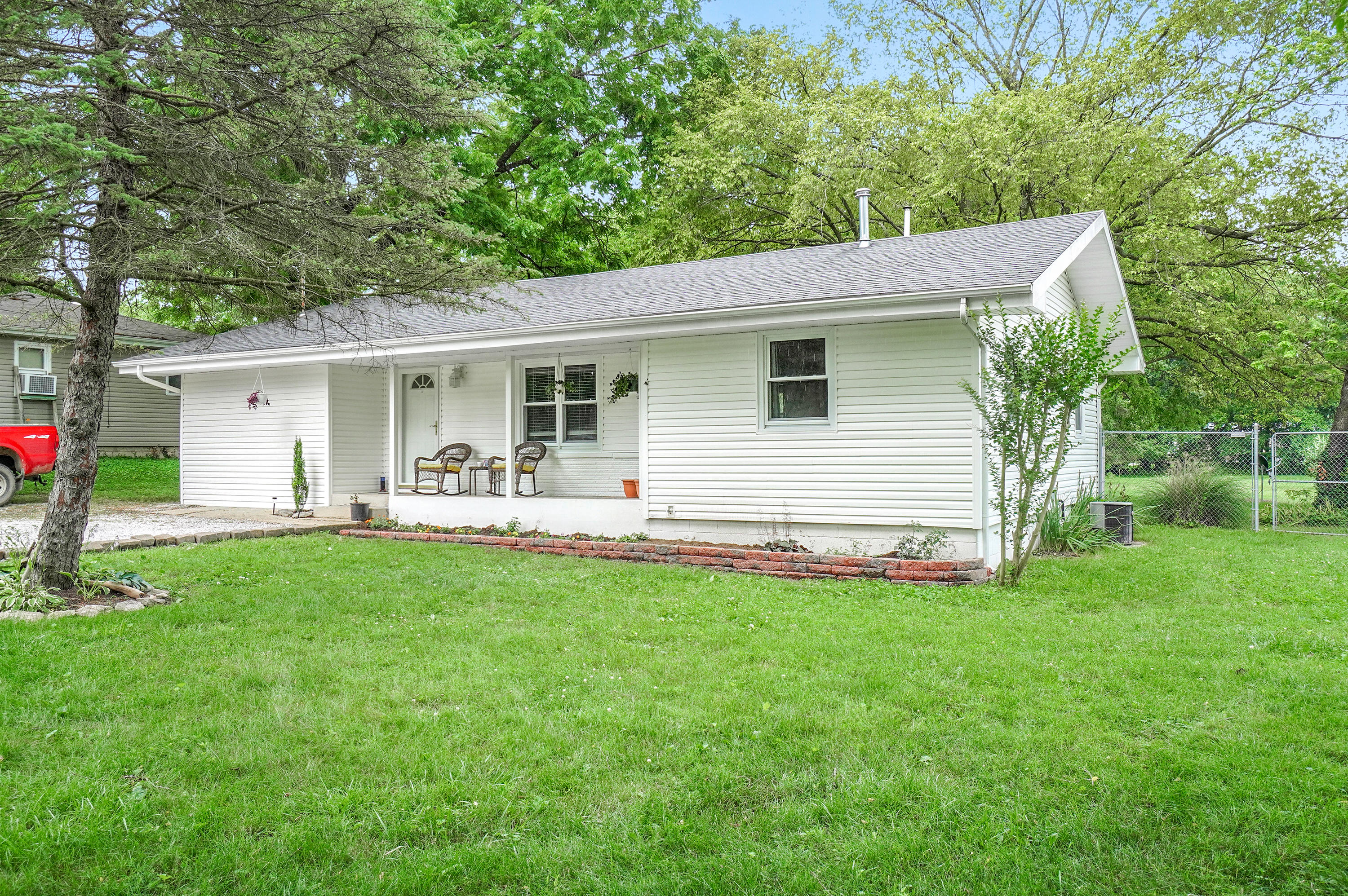 304 North State Highway Sparta, MO 65753
