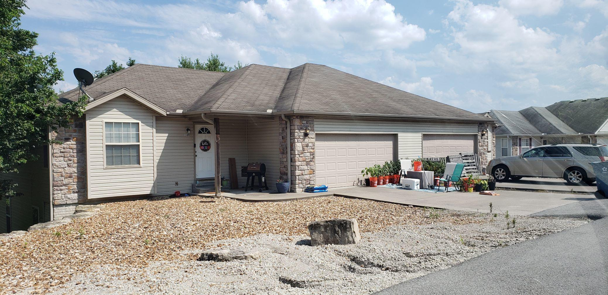 10 A & B East Valleyview Drive Kimberling City, MO 65686