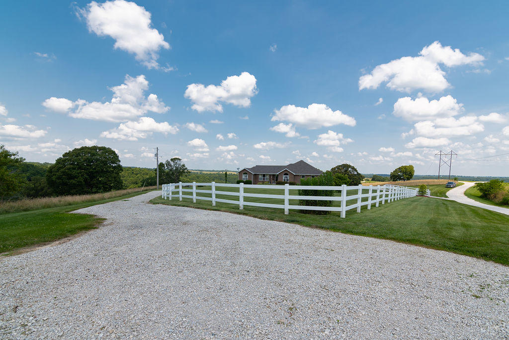 153 Spring View Place Reeds Spring, MO 65737