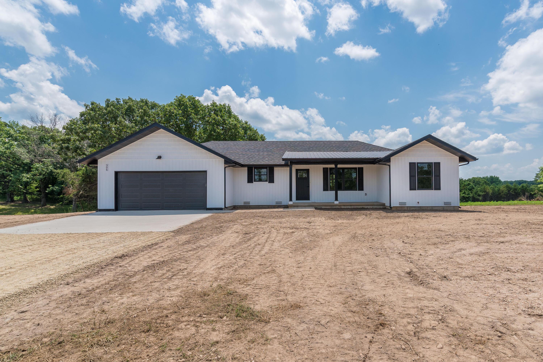 506 Raspberry Road Highlandville, MO 65669