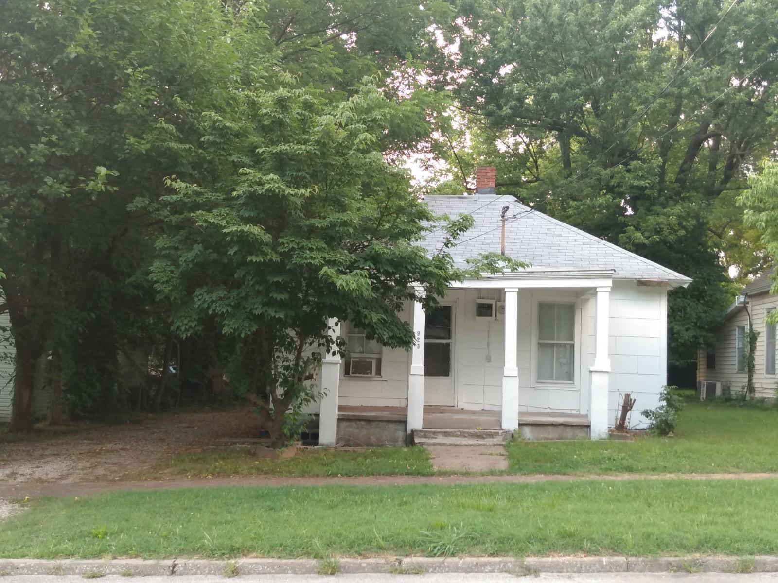 923 East Dale Street Springfield, MO 65803