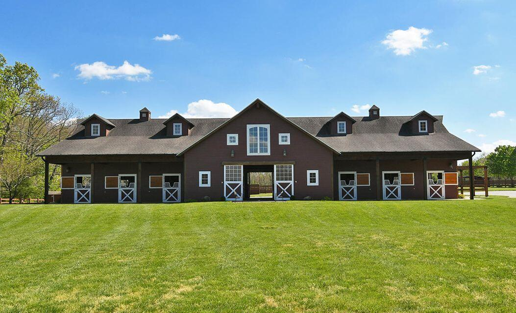 9348 East Farm Road UNIT 40 Acres & Barns Strafford, MO 65757
