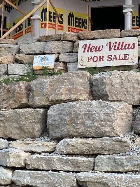 260 Villa Dr UNIT #2 Hollister, MO 65672