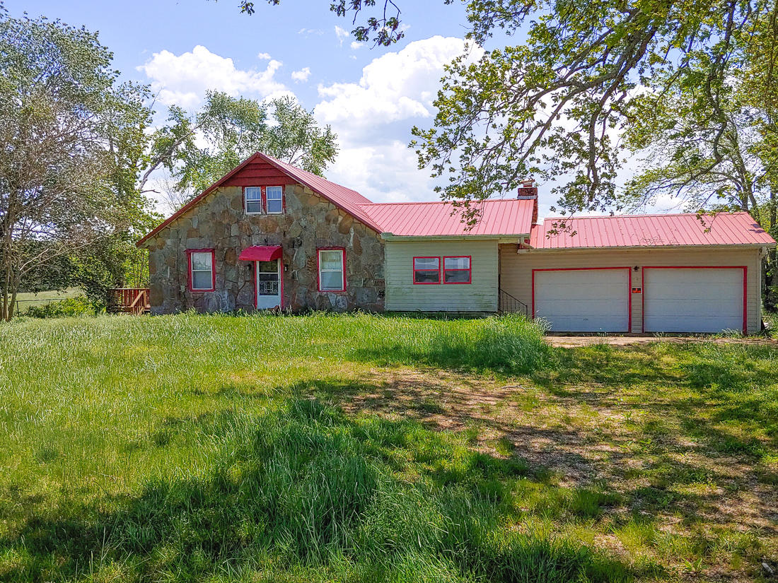 6814 State High Way Gainesville, MO 65655