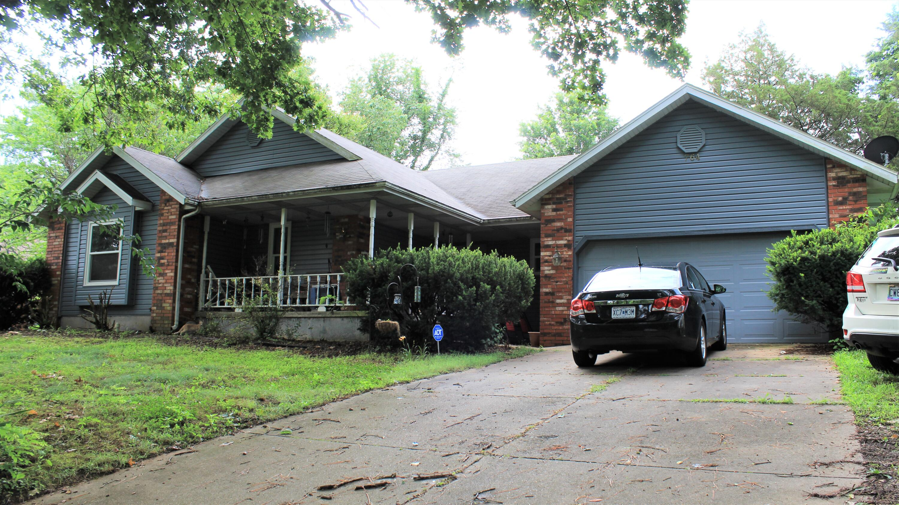764 Wisconsin Road Hollister, MO 65672