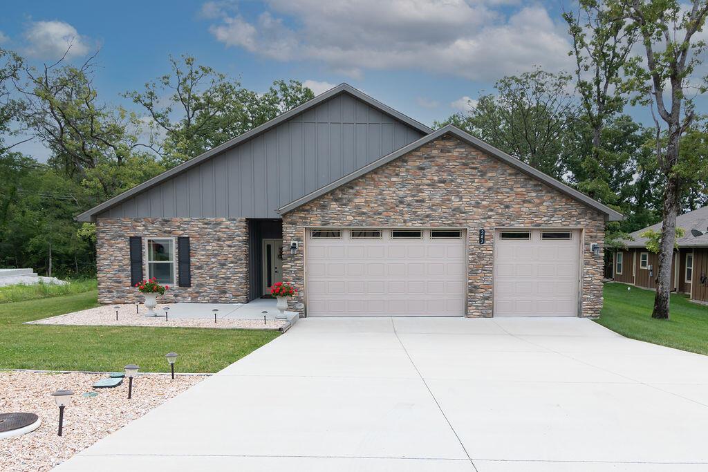 242 Cedar Glade Drive Branson West, MO 65737