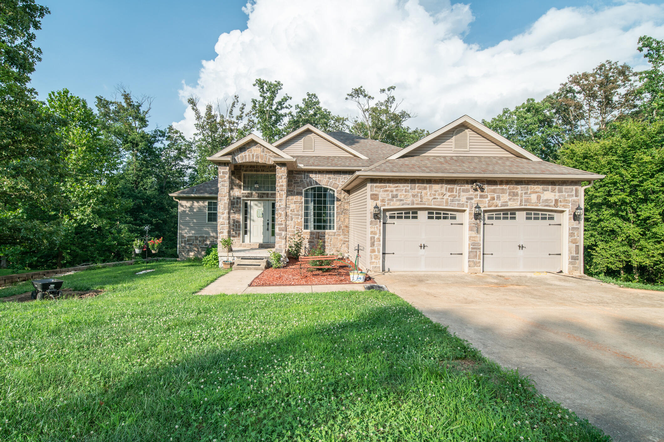 207 Clement Road Seligman, MO 65745