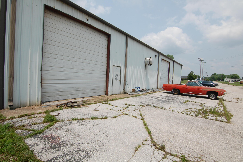 1586 East Bain Street Ozark, MO 65721