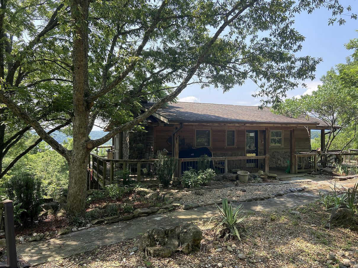 27153 Farm Road Eagle Rock, MO 65641