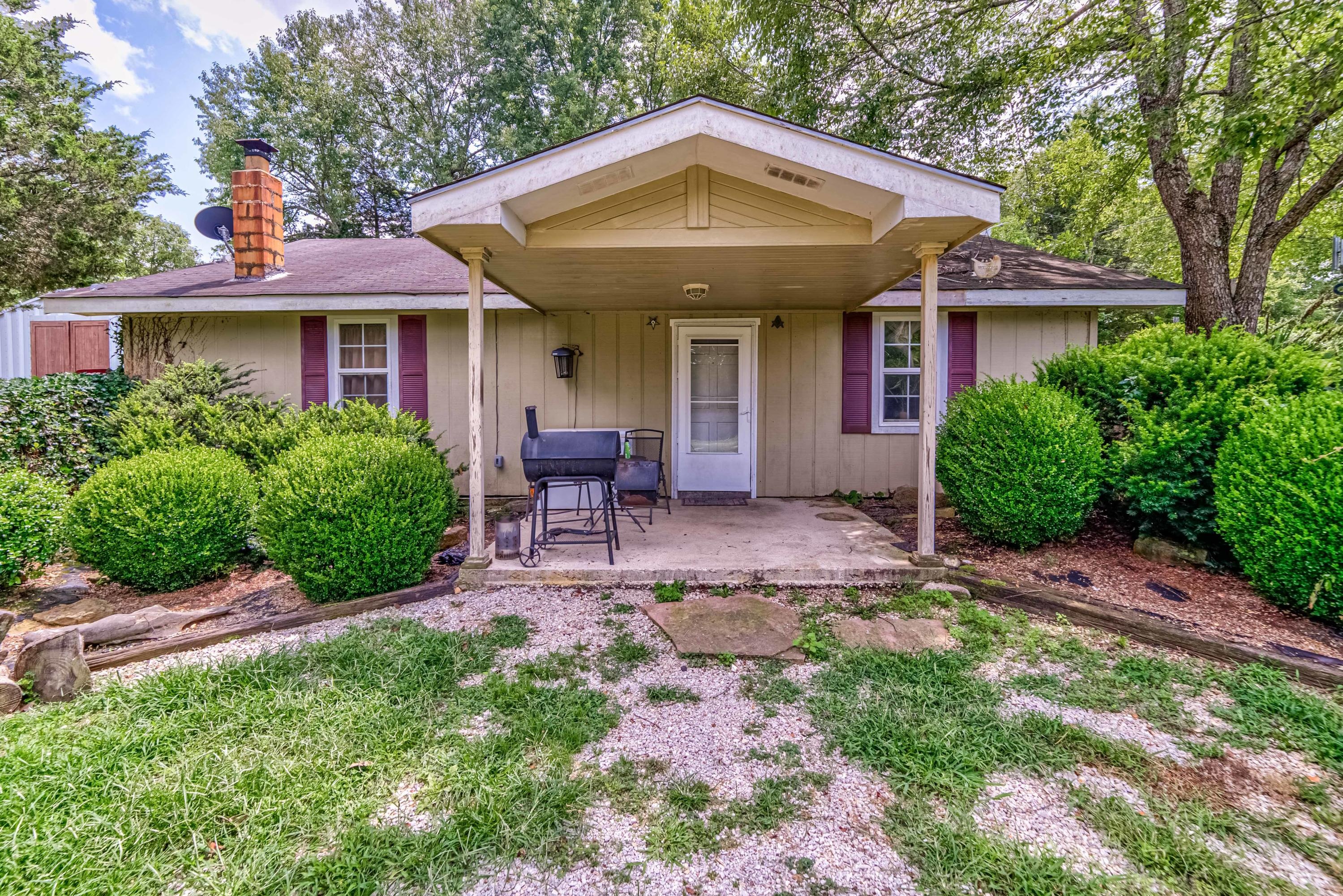 10494 East State Highway D Rogersville, MO 65742