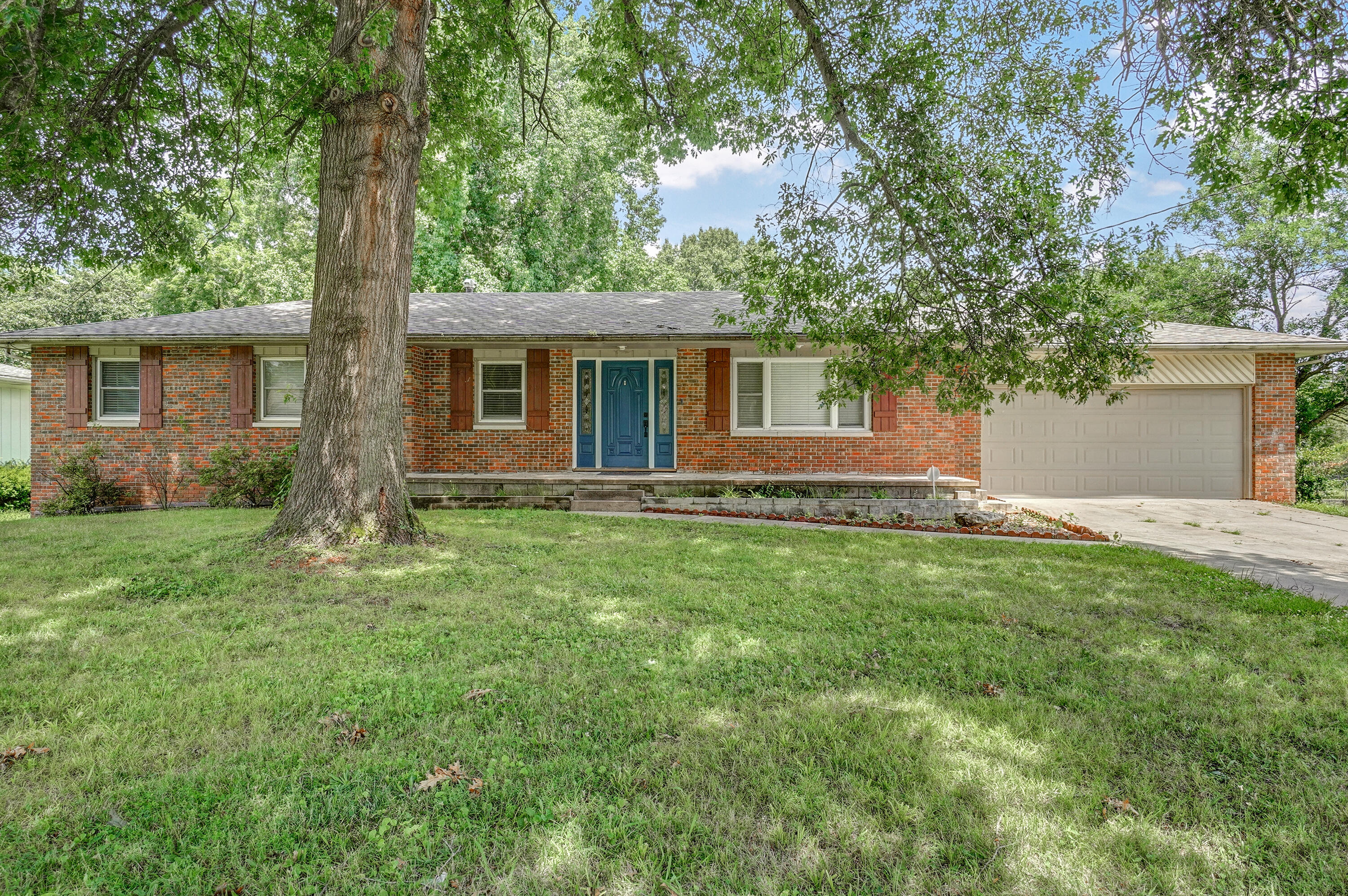 3231 East Independence Street Springfield, MO 65804
