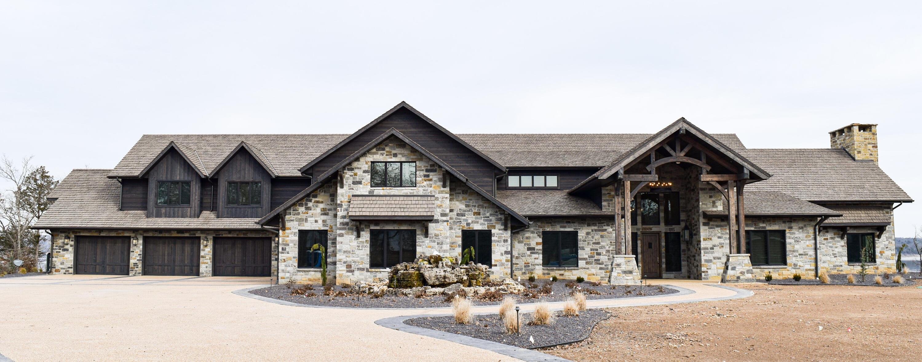 998 Lake Bluff Drive Branson West, MO 65737