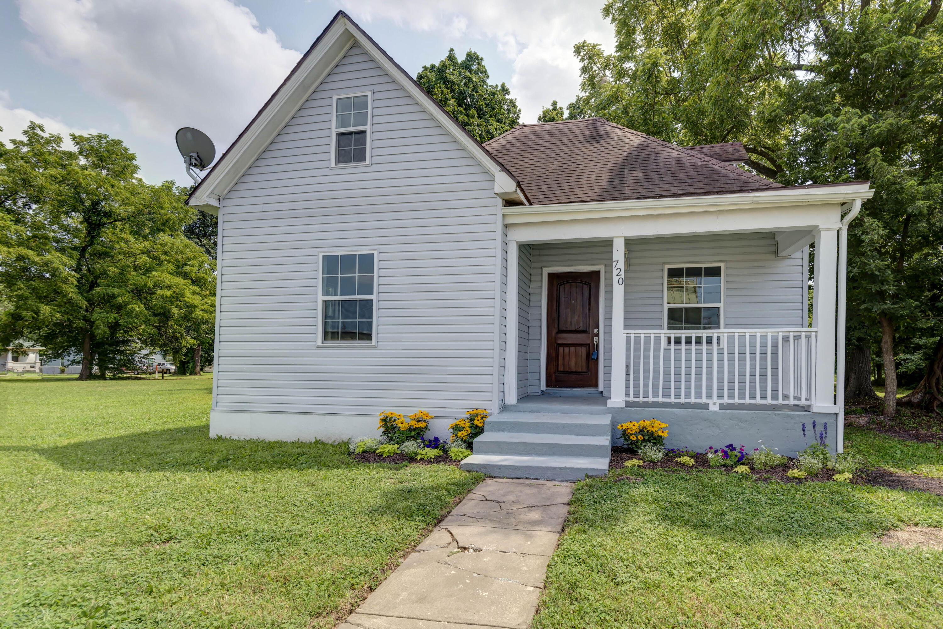 720 East Commercial Street Springfield, MO 65803