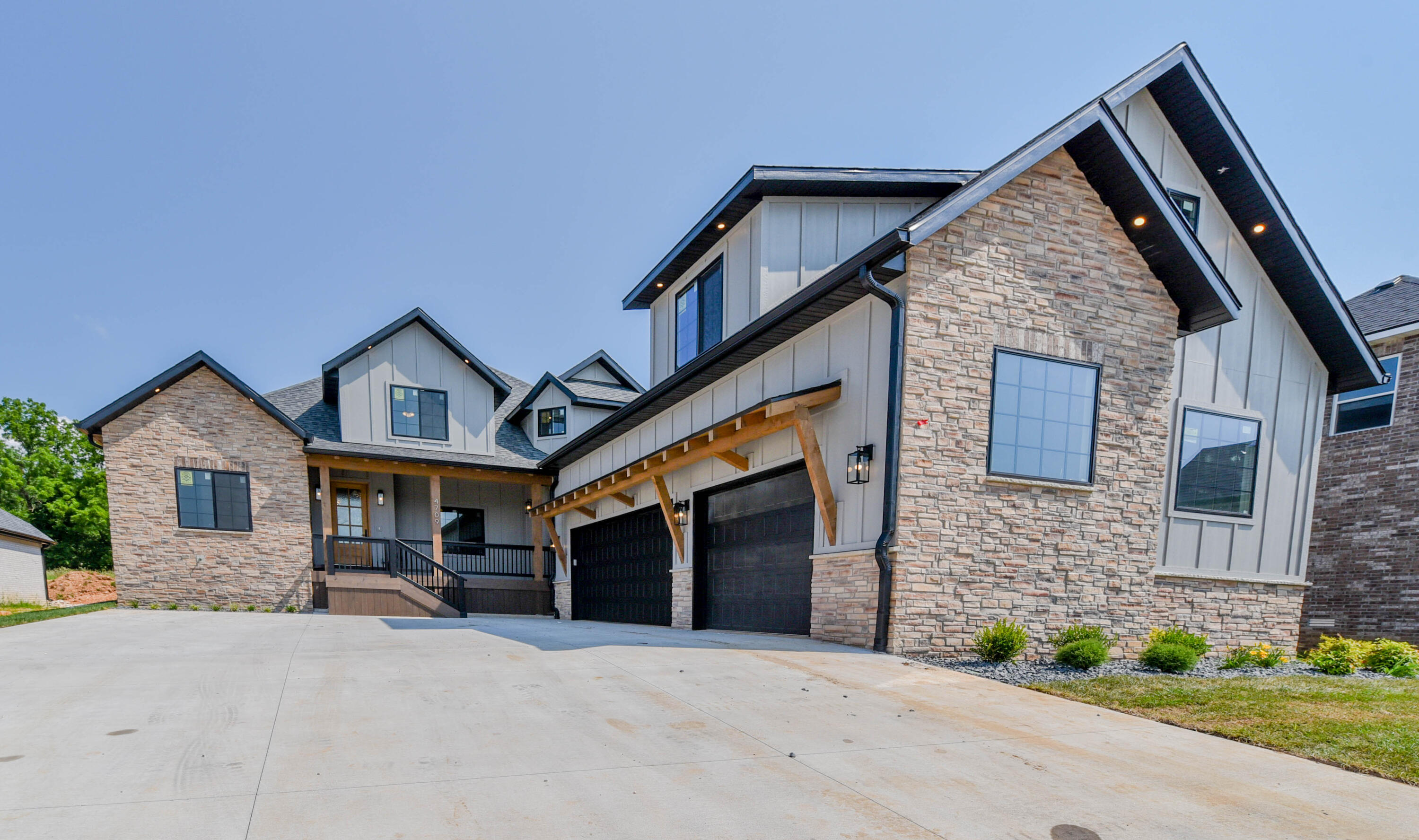4709 East Forest Trails Drive Springfield, MO 65809
