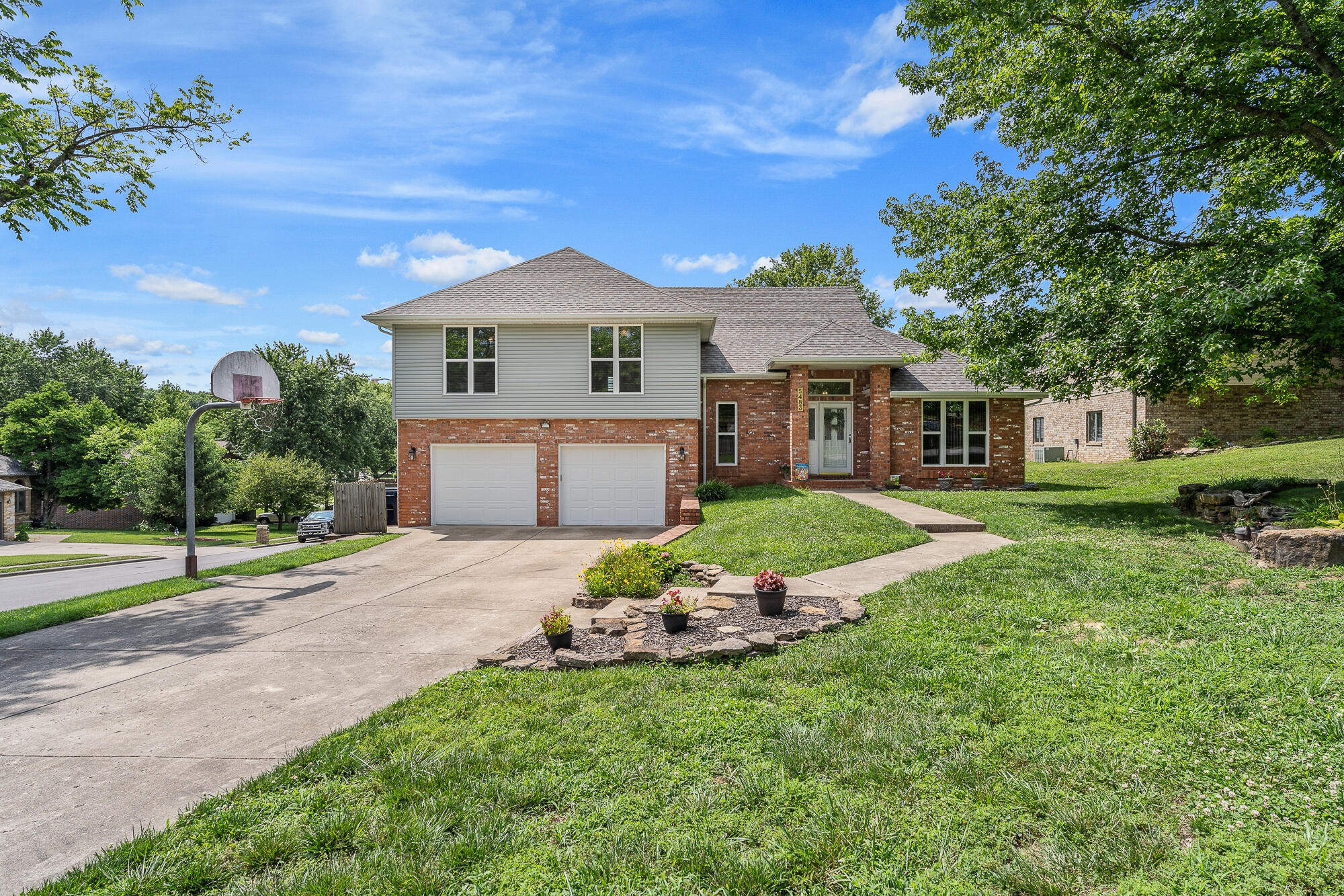 5483 South Fort Avenue Springfield, MO 65810