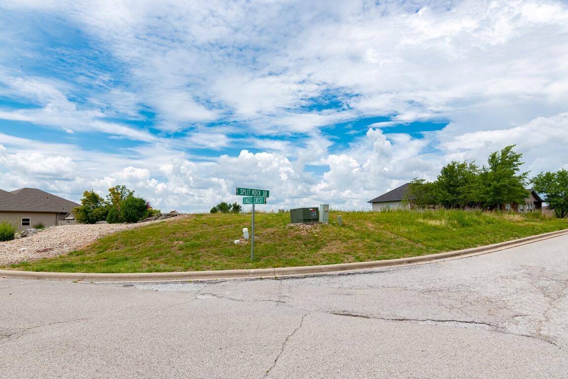 390 Split Rock Drive Hollister, MO 65672