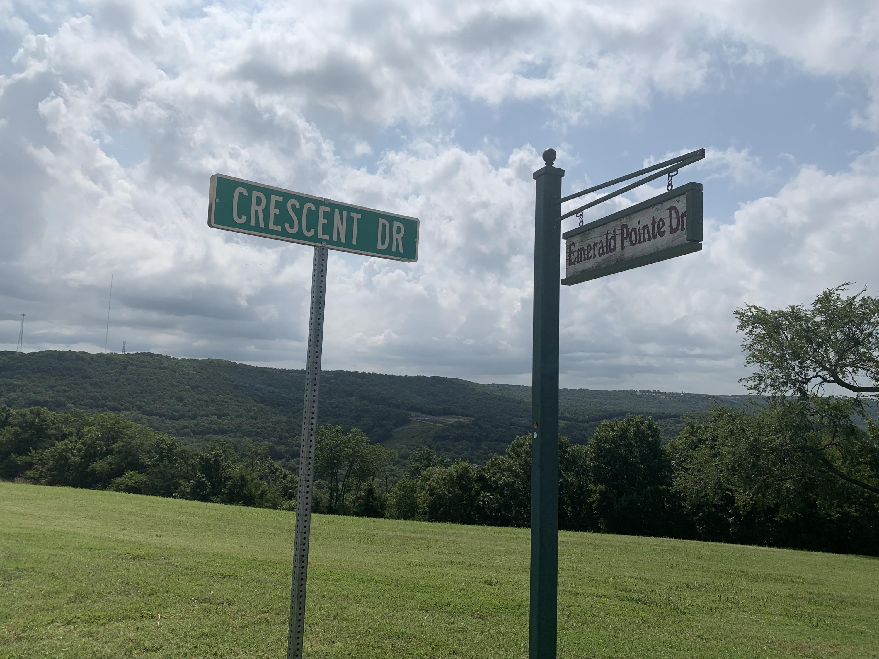000 Emerald Point & Crescent Drive Hollister, MO 65672