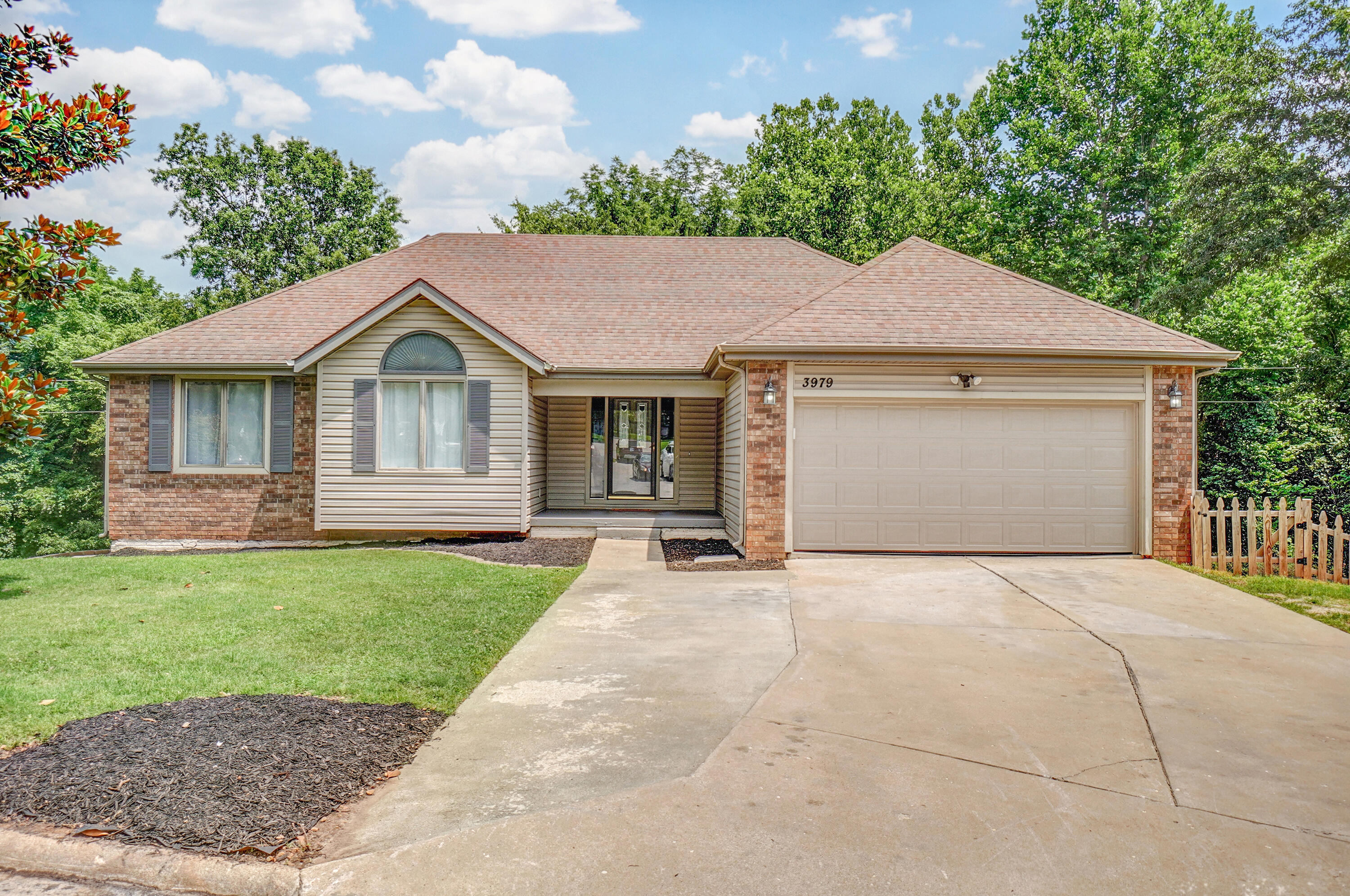 3979 West Shady Court Springfield, MO 65802