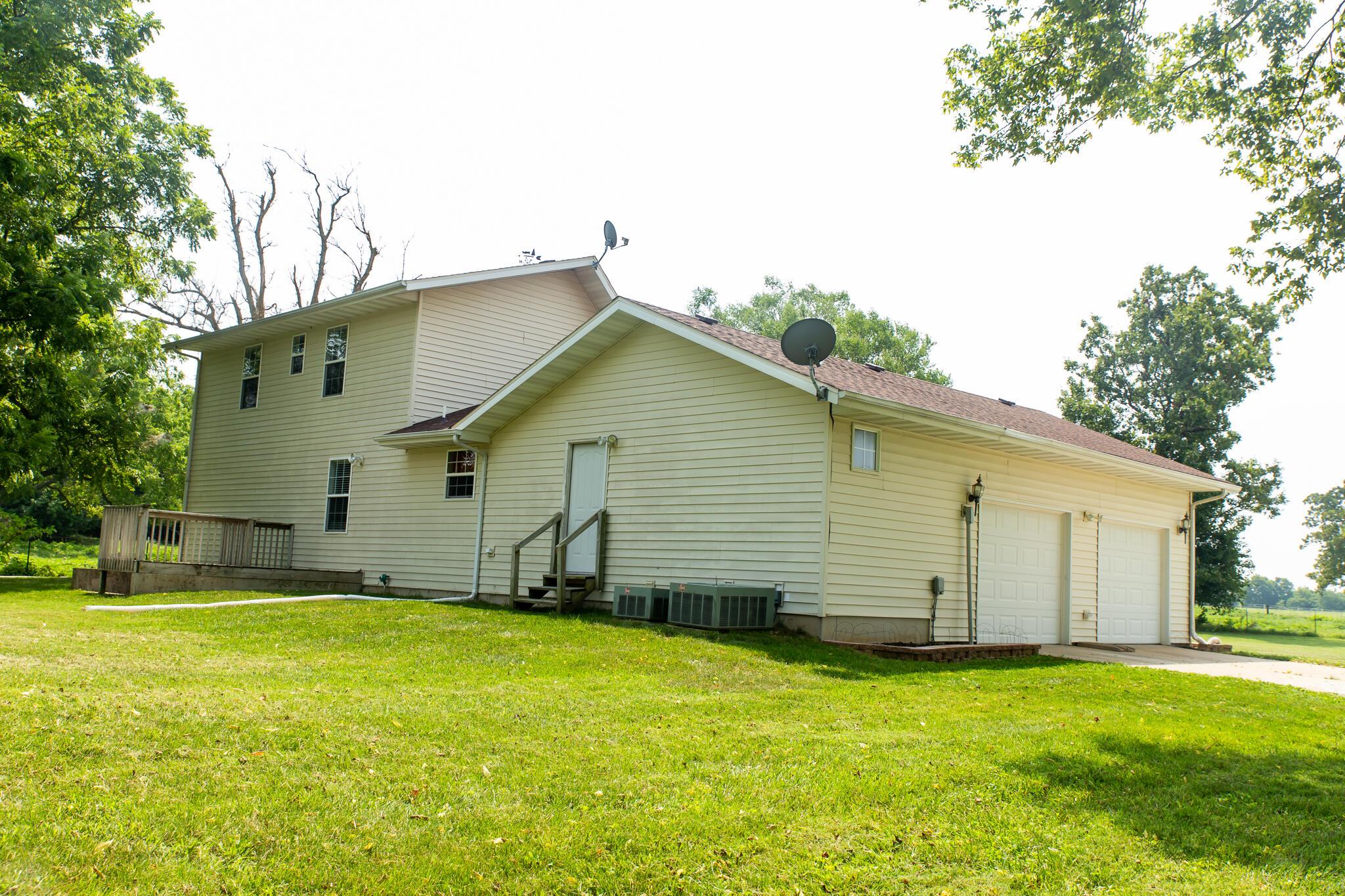 6657 West Farm Road Willard, MO 65781