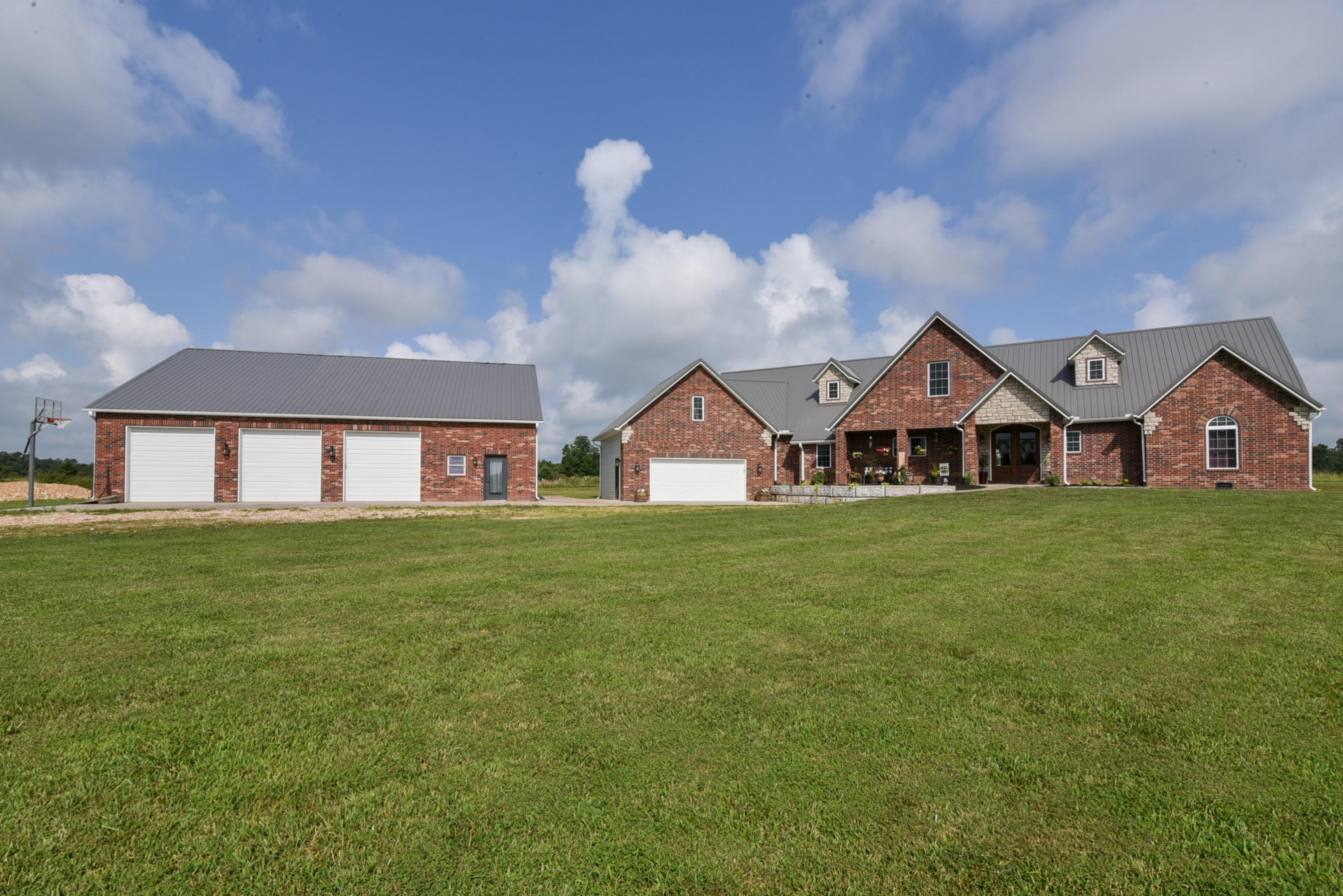 3479 Johns Ford Road Rogersville, MO 65742