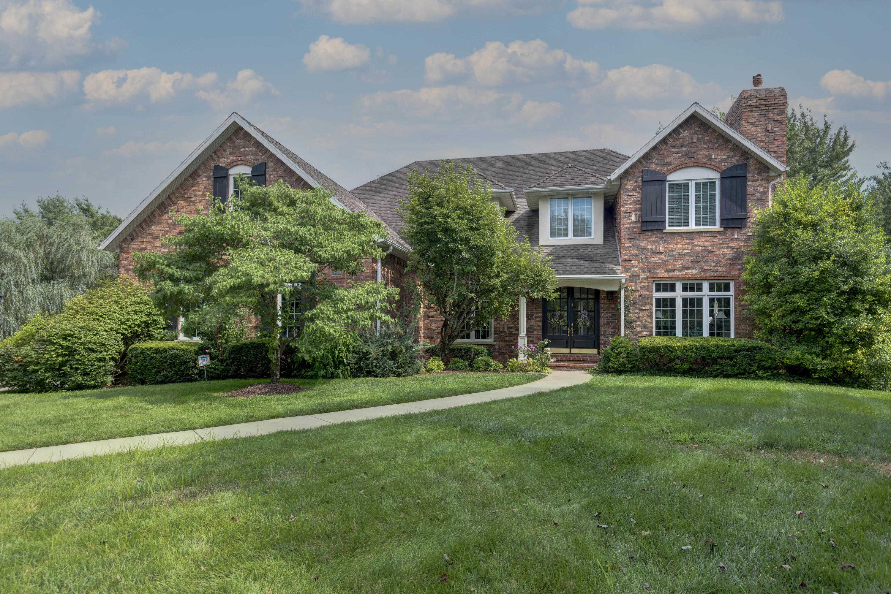 2316 South Wind Rose Place Springfield, MO 65809