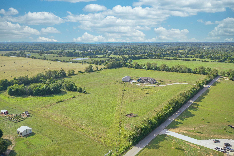 8089 North Farm Rd Fair Grove, MO 65648