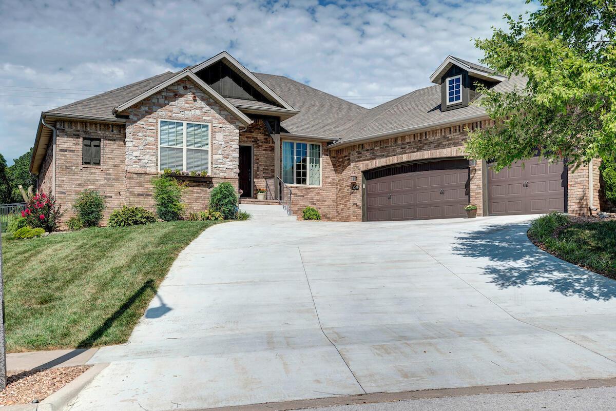 1243 South Rosemoor Drive Nixa, MO 65714