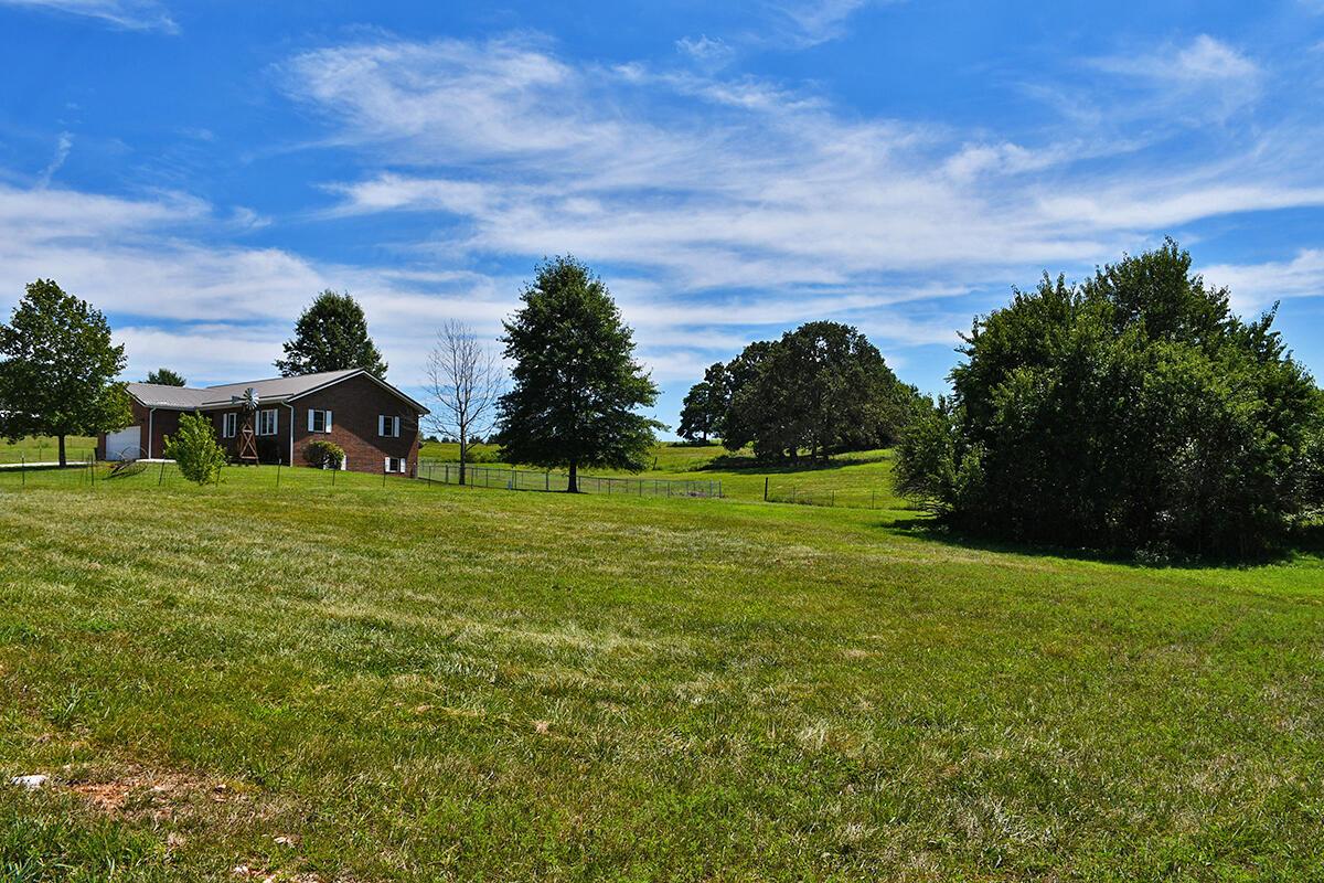 8890 West Farm Road Willard, MO 65781