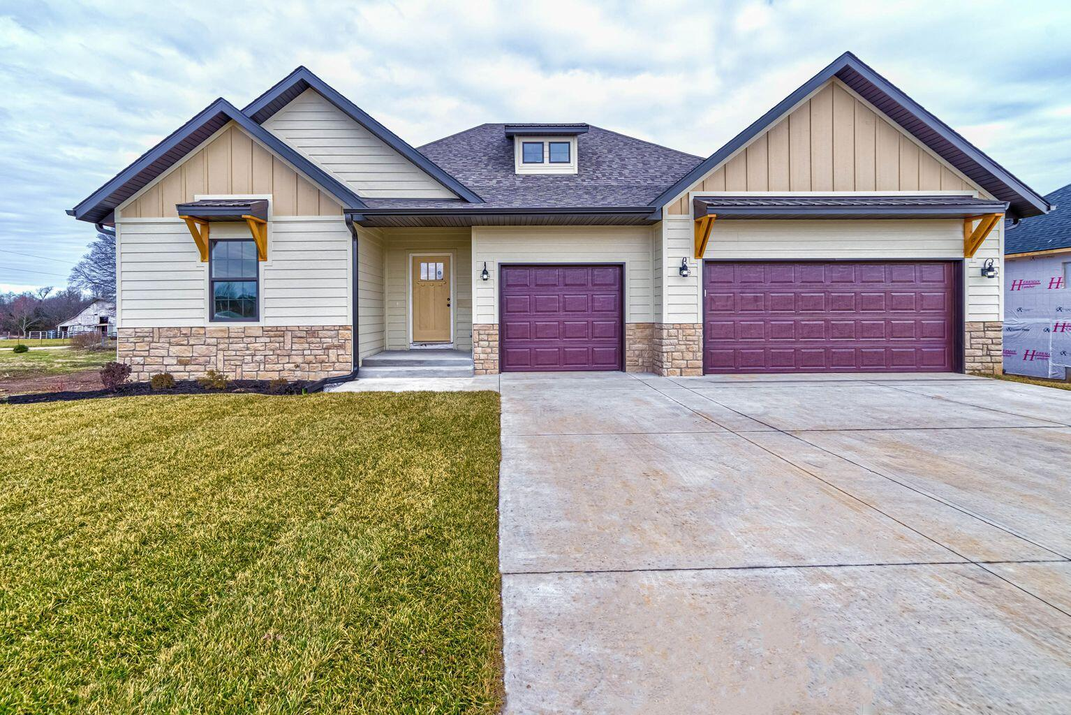 1507 East Hayloft Drive Ozark, MO 65721