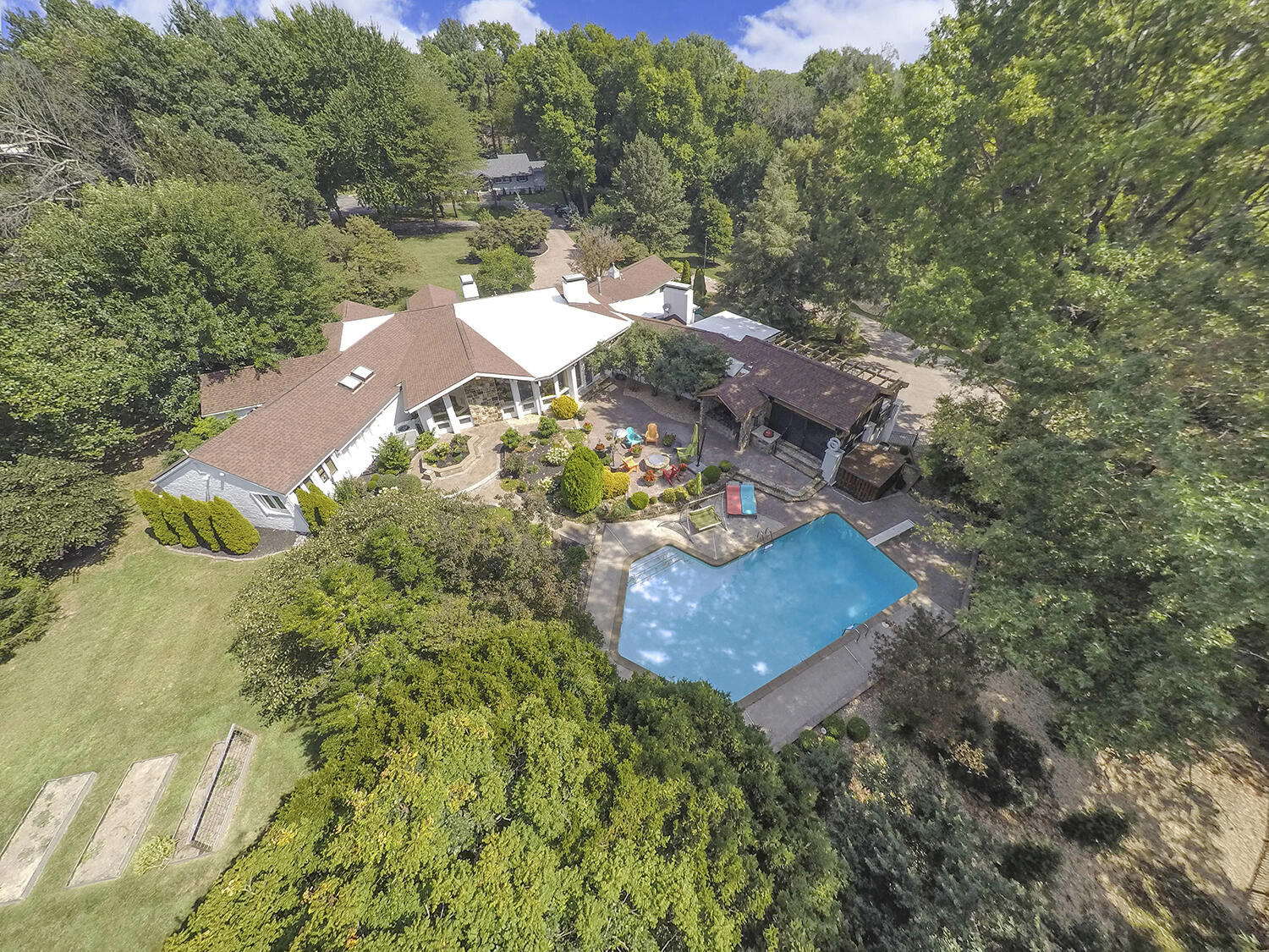 2342 East Fritts Lane Springfield, MO 65804