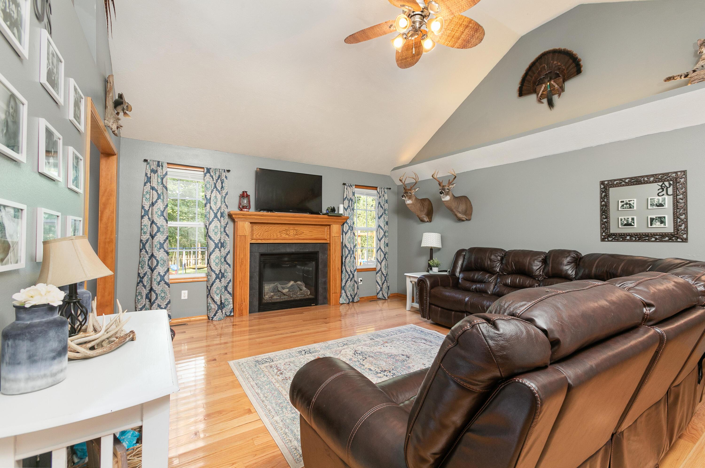 819 North Saratoga Willard, MO 65781