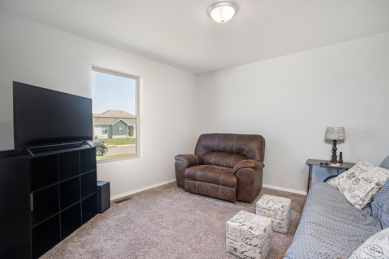 1399 South Lorraine Avenue Republic, MO 65738