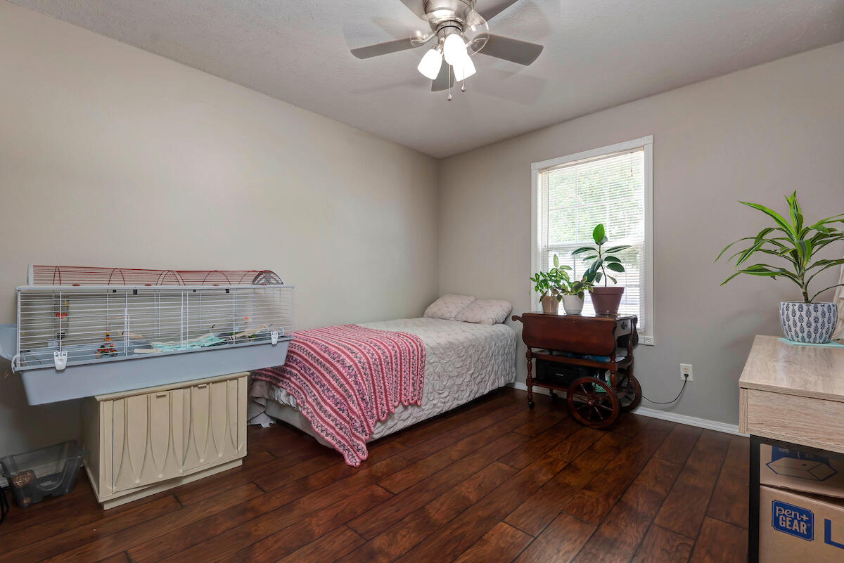 4811 West Stanford Street Springfield, MO 65802