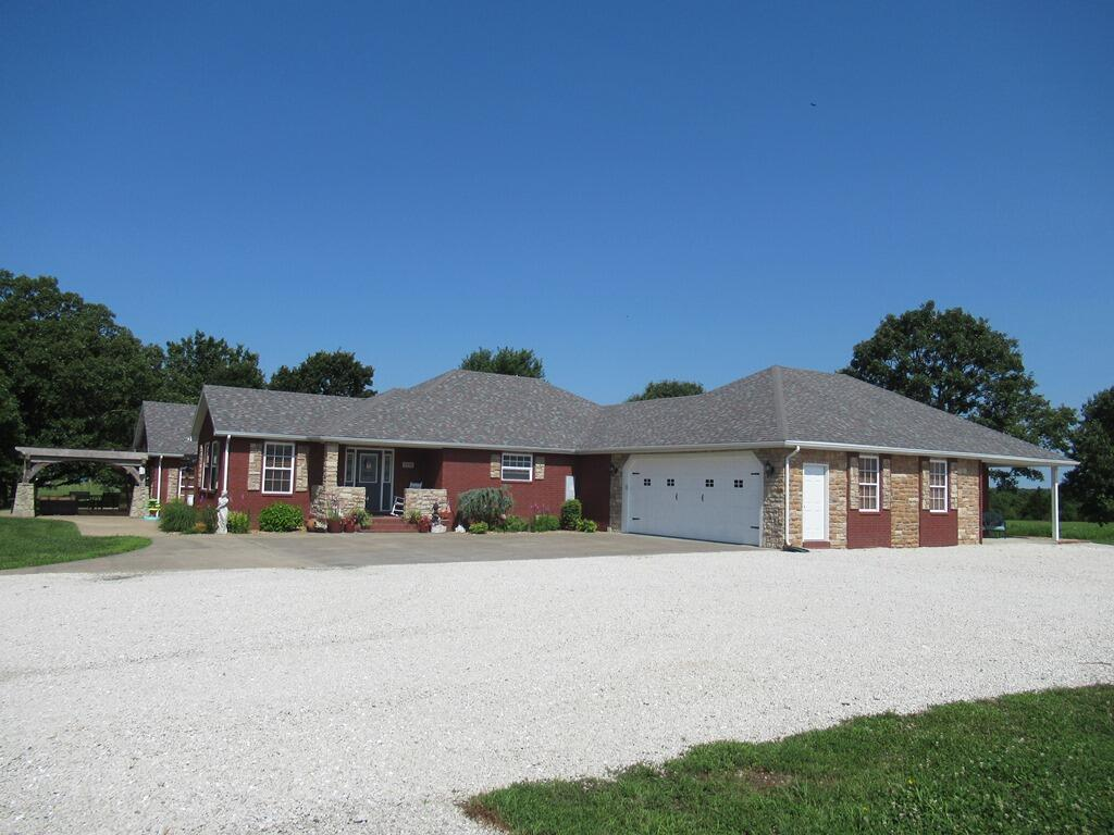 1171 East 412th Road, Bolivar, Missouri 65613