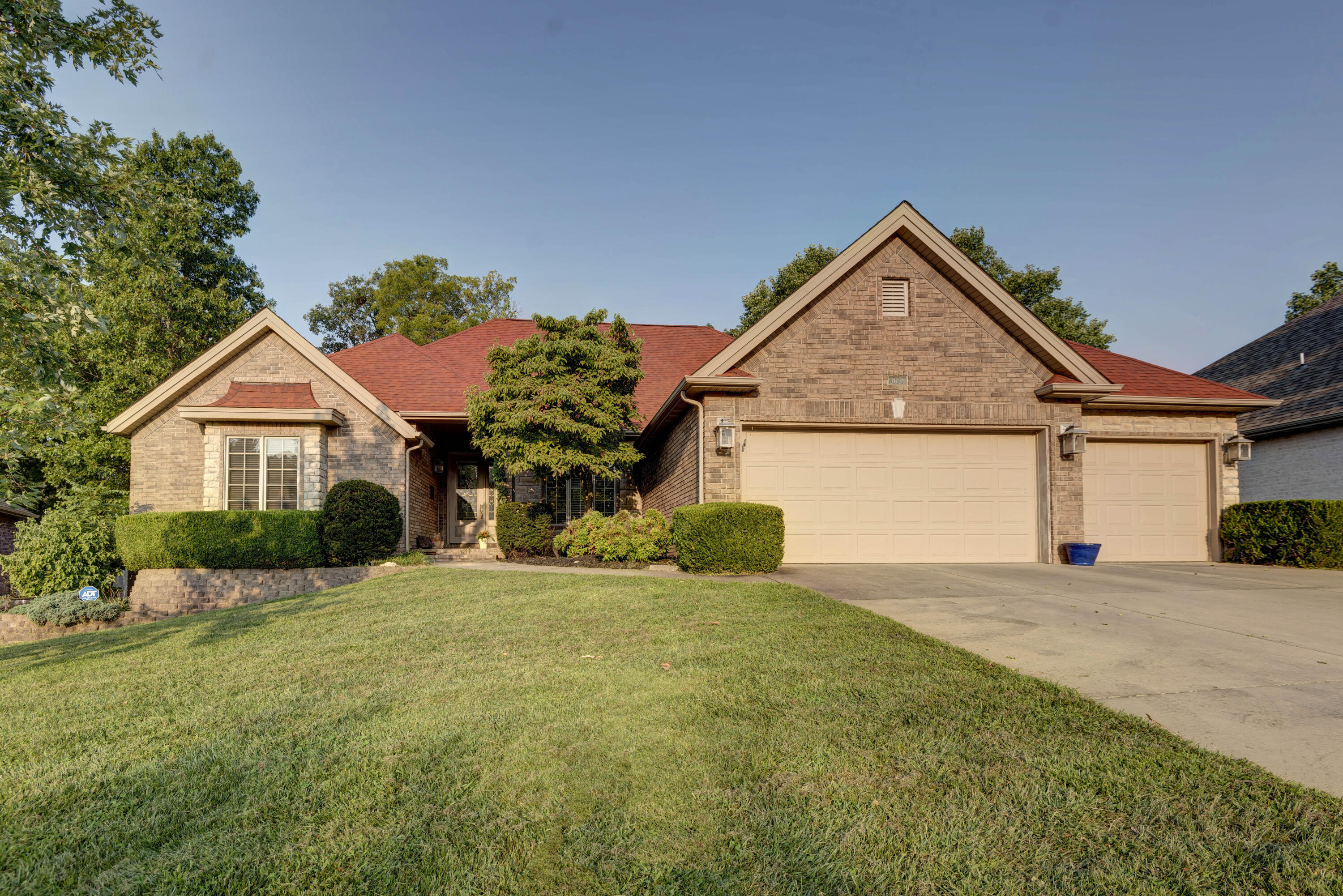 5629 South Moonshine Court Springfield, MO 65804