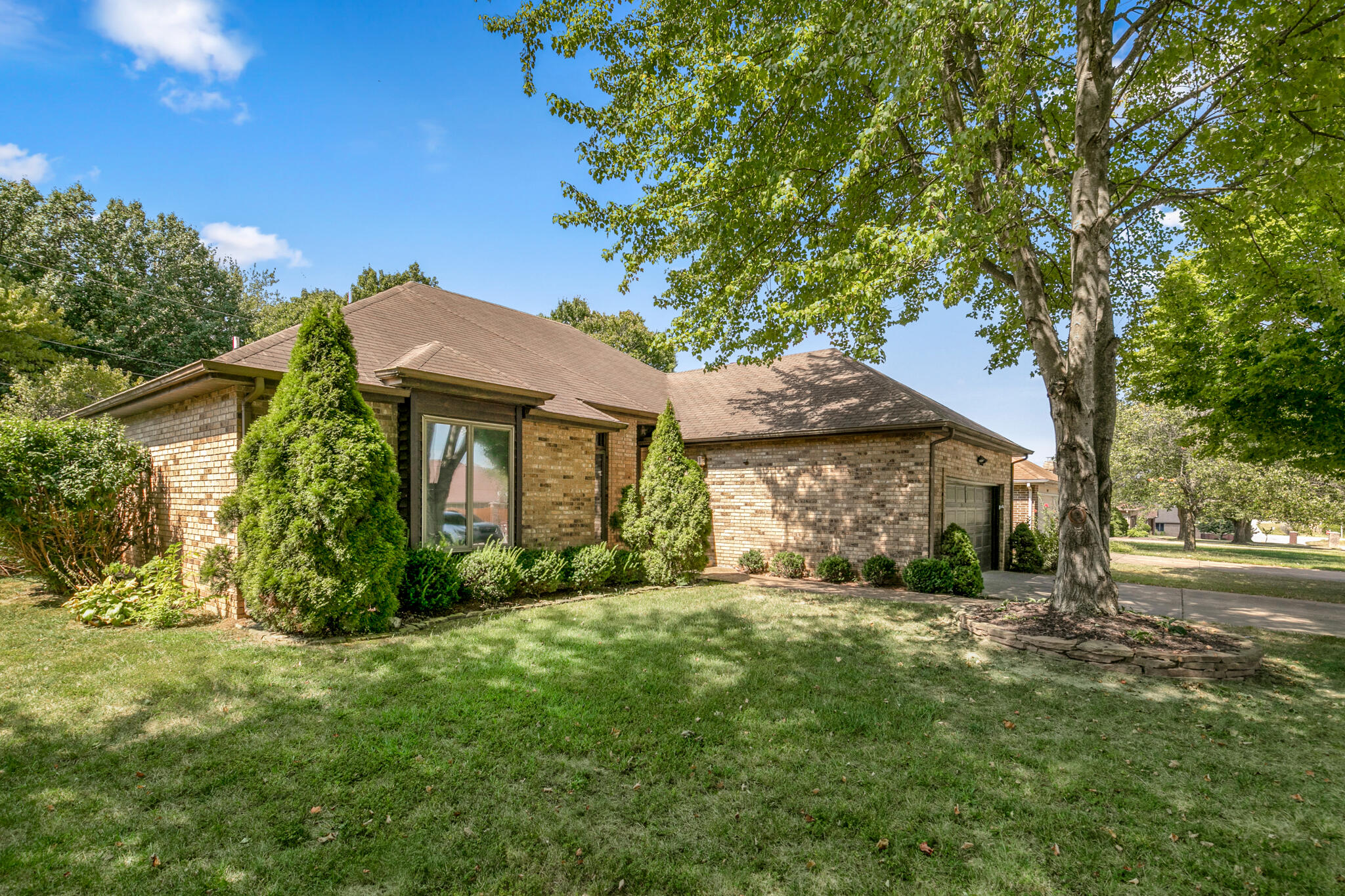 1917 South Forrest Heights Avenue, Springfield, Missouri 65809