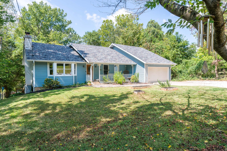 6005 South Roanoke Avenue, Springfield, Missouri 65810