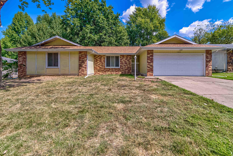 3628 South Walnut Hill Drive, Springfield, Missouri 65807