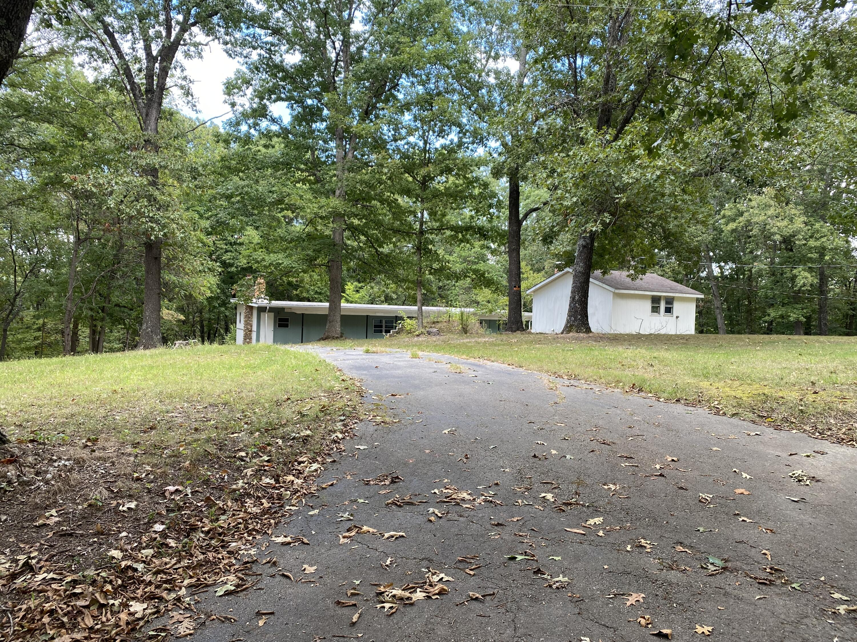 3683 Two Rivers Road Highlandville, MO 65669
